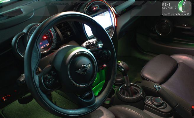 interior1-copiap-XxXx80 mini cooper