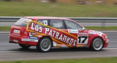 Audi RS4 ganador en 2004